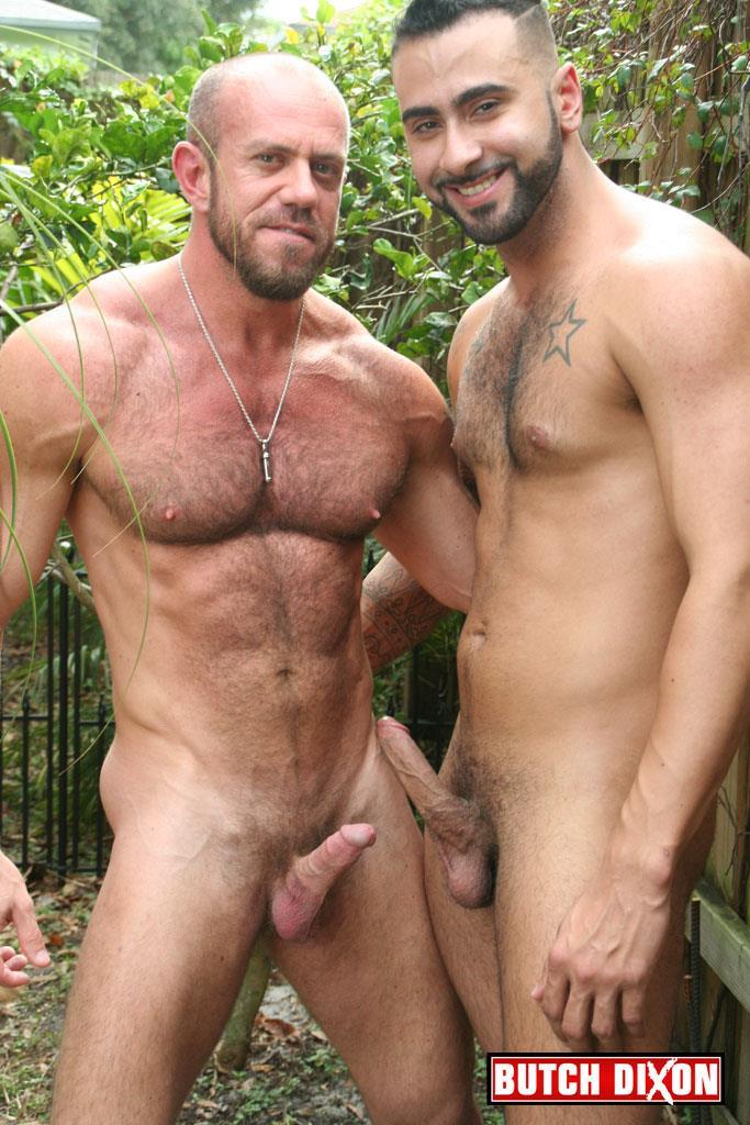 Butch-Dixon-Rikk-York-and-Matt-Stevens-Hairy-Daddy-and-Younger-Guy-Trade-Blow-Jobs-Amateur-Gay-Porn-05 Hairy Beefy Muscle Daddy Fucking His Younger Buddy Outside
