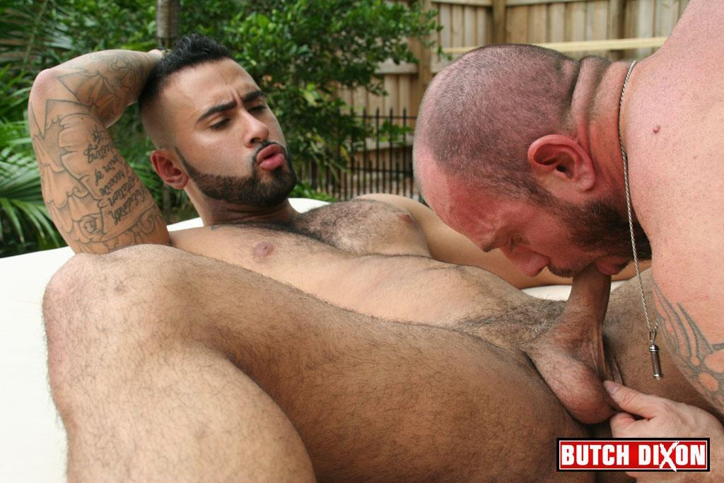 Butch-Dixon-Rikk-York-and-Matt-Stevens-Hairy-Daddy-and-Younger-Guy-Trade-Blow-Jobs-Amateur-Gay-Porn-17 Hairy Beefy Muscle Daddy Fucking His Younger Buddy Outside
