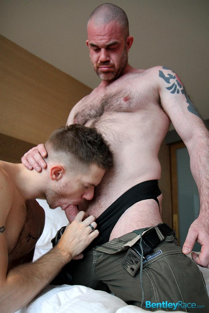 Bentley-Race-Alex-McEwan-and-Skippy-Baxter-Hairy-Muscle-Daddy-Fucking-A-Twink-Amateur-Gay-Porn-05 Young Smooth Guy Getting Fucked By A Hairy Muscle Daddy
