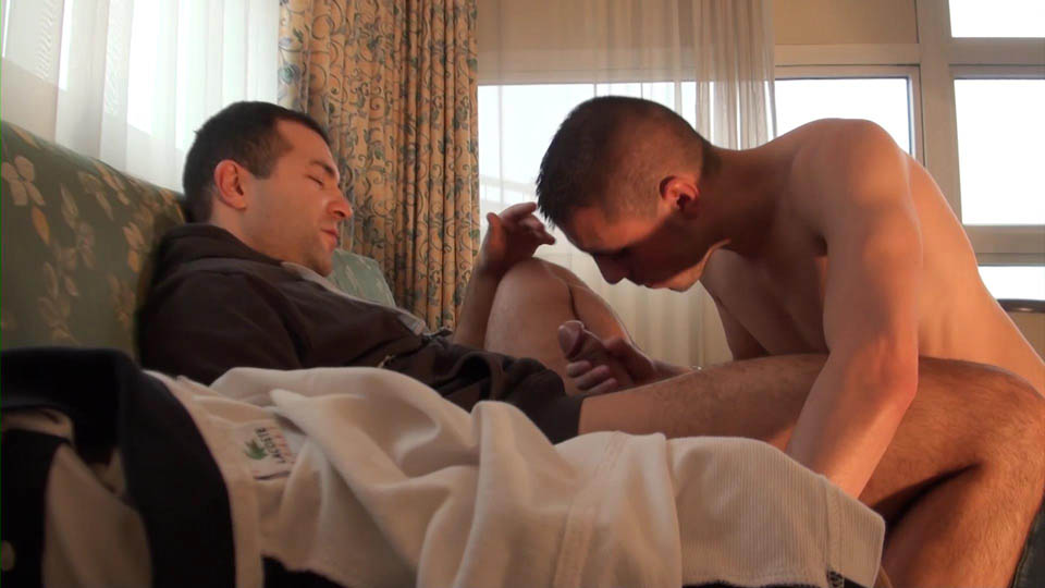 French-Dudes-Malik-TN-and-Kyle-Lena-Guy-With-A-Beer-Can-Cock-Fucking-An-Ass-Amateur-Gay-Porn-02 French Guy Gets Fucked By A Beer Can Sized Cock