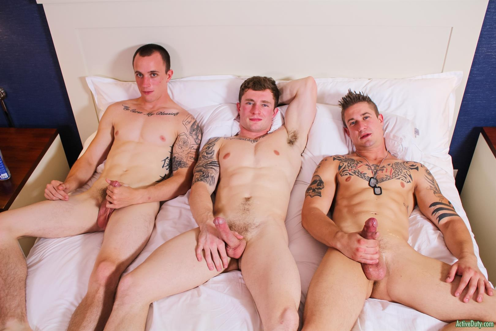 Active Duty Threeway Army Guys Bareback Sex Video Amateur Gay Porn 15 Big Dick Muscular Army Guys In A Bareback Threeway